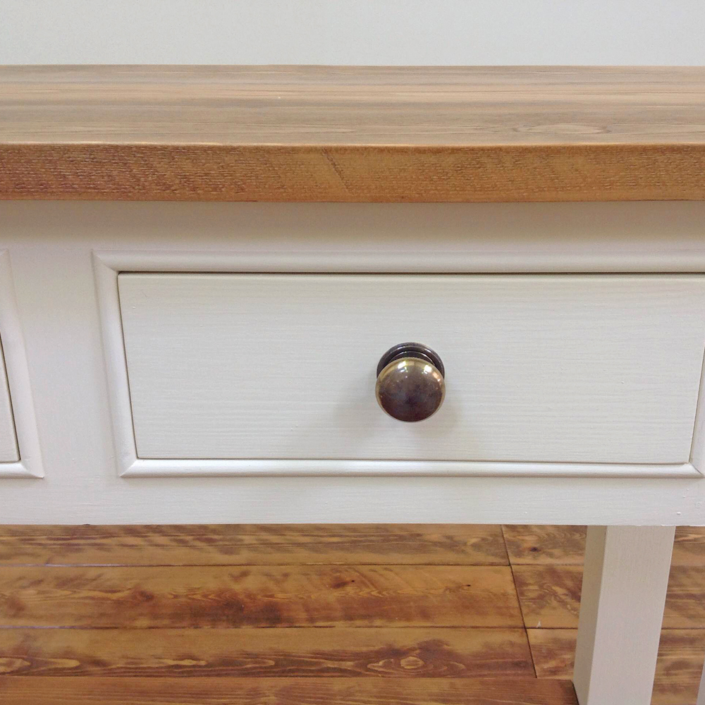 bacchus-side-table-pine-top-potboard-close-up