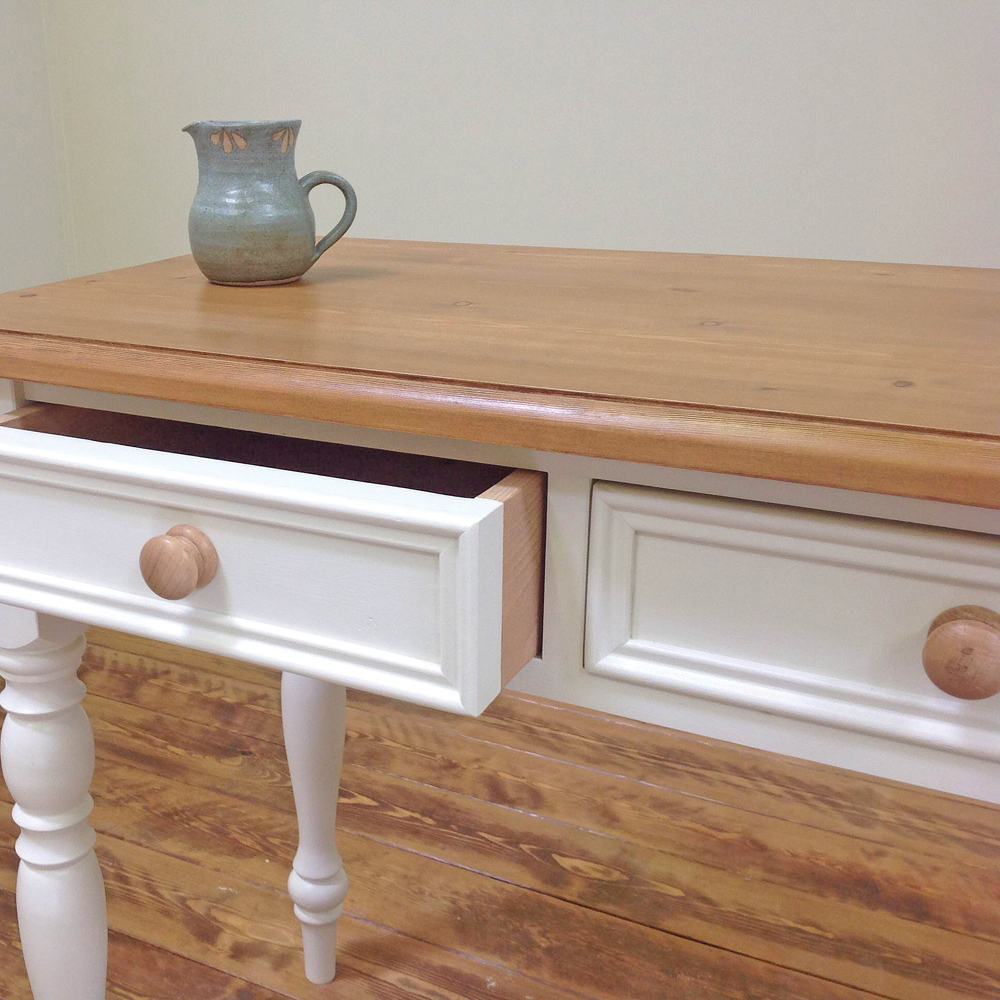 dressing-table-painted-close-up