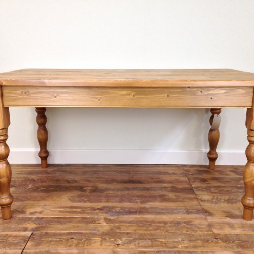 victorian-farmhouse-table