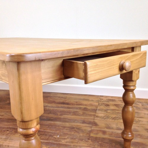 shaker-style-table