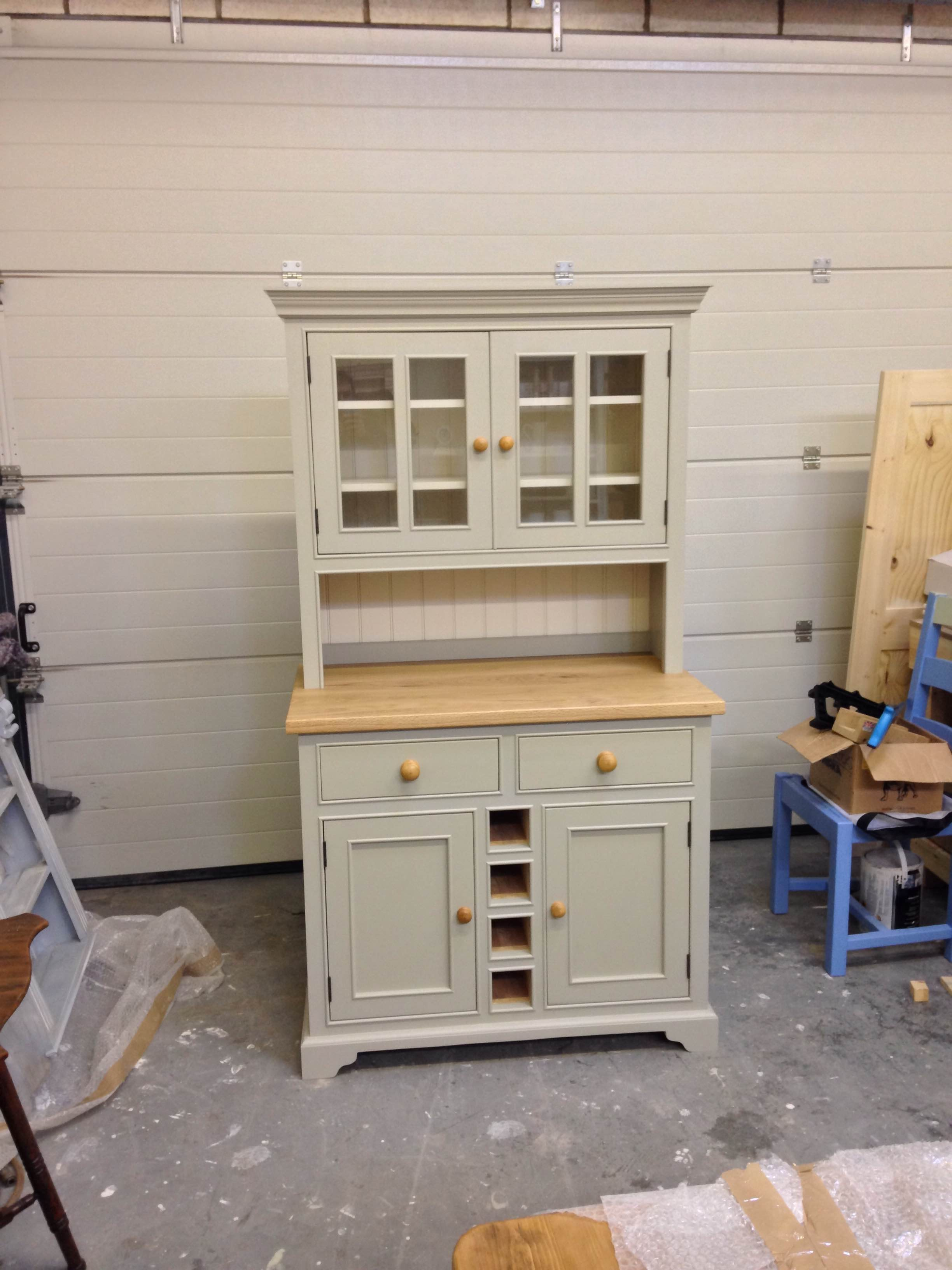 bespoke-dresser-with-wine-rack