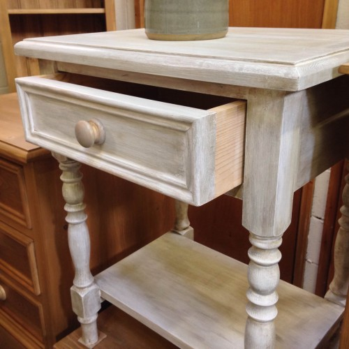 shabby-chic-bedside-table