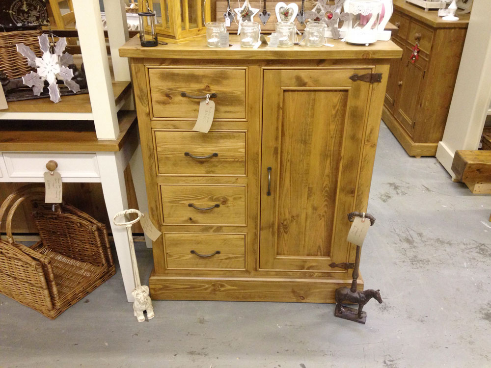 4-drawer-rustic-pine-cupboard