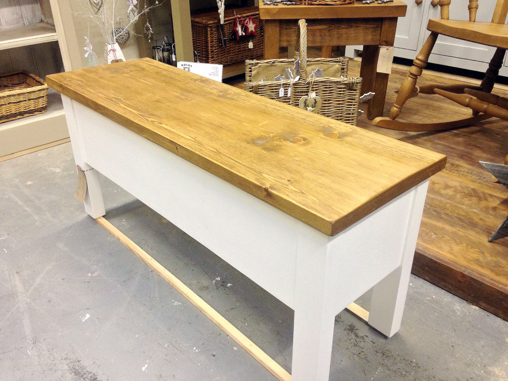 painted-storage-bench-rustic-pine-tio
