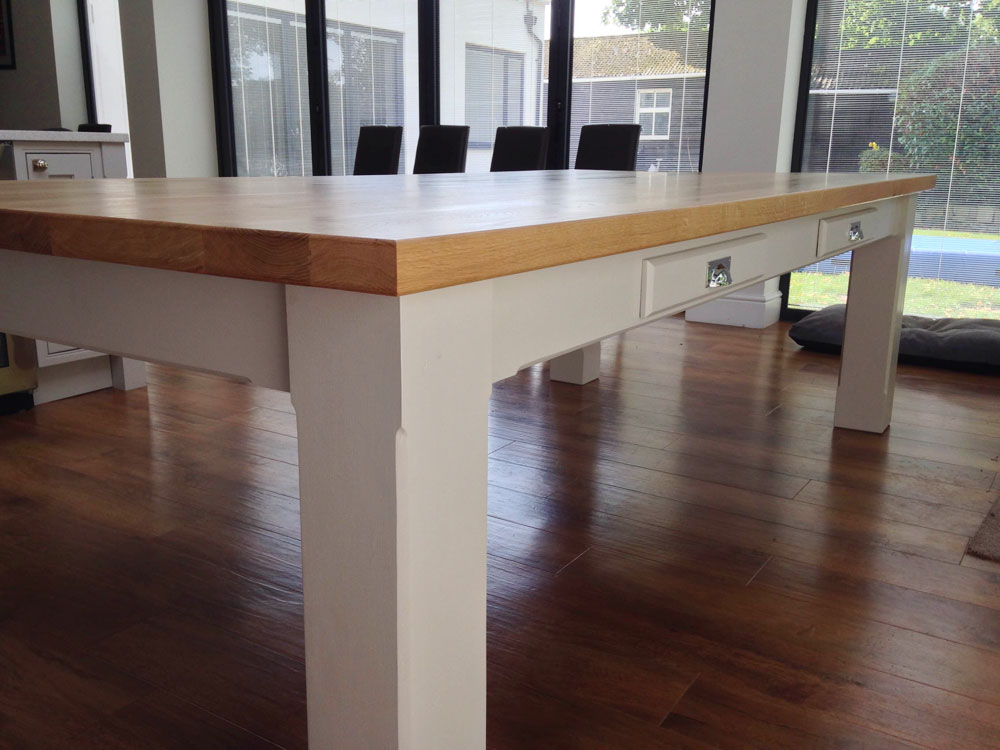 bespoke-dining-table-oak-top